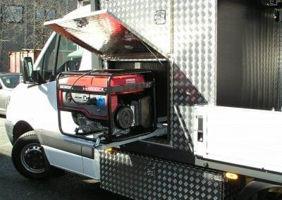 Utvendig skap arbeidsbil med luke